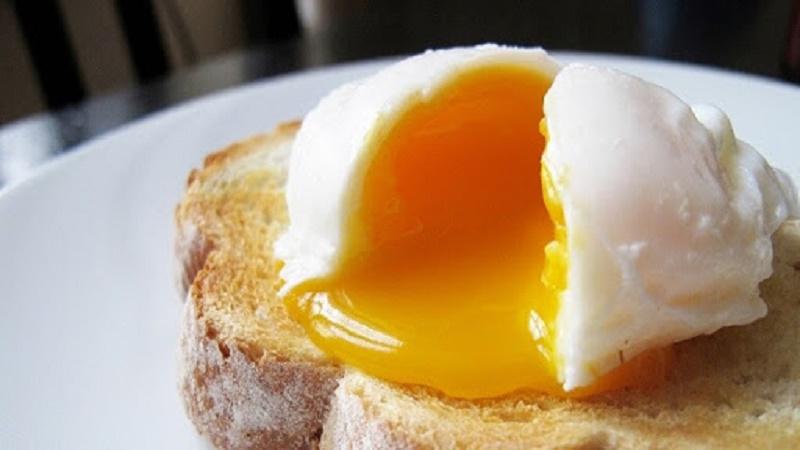 Trứng sống, trứng trần qua hoặc nấu chưa chín