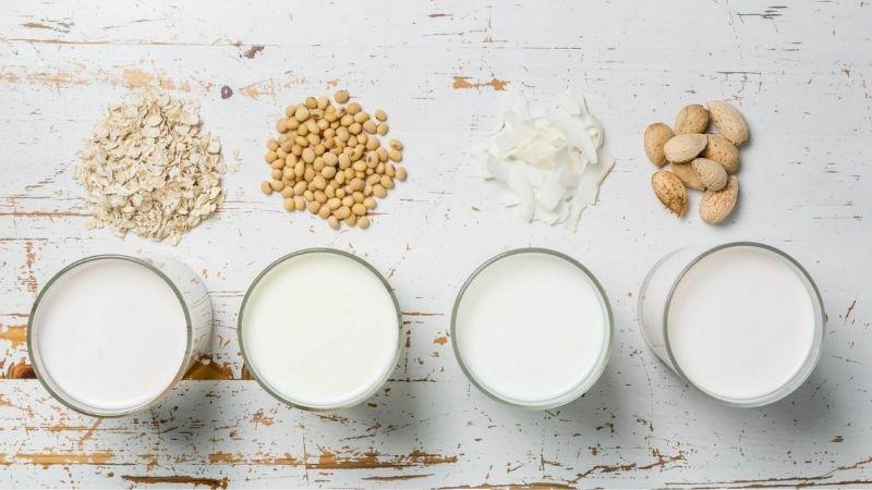 Mẹ sau sinh nên uống sữa gì